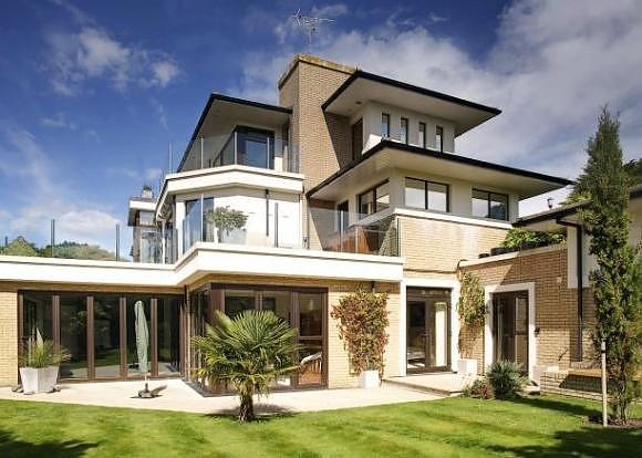 Luxury property marketing berkeleys poole for Luxury homes in london